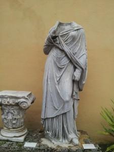Busto di statua, scultura ospitata al Museo Archeologico Provinciale