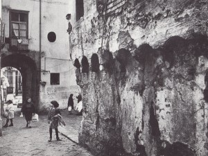 16-Via-Tasso-A2-foto-depoca-Archivio-Soprintendenza-BAP-di-SA-e-AV